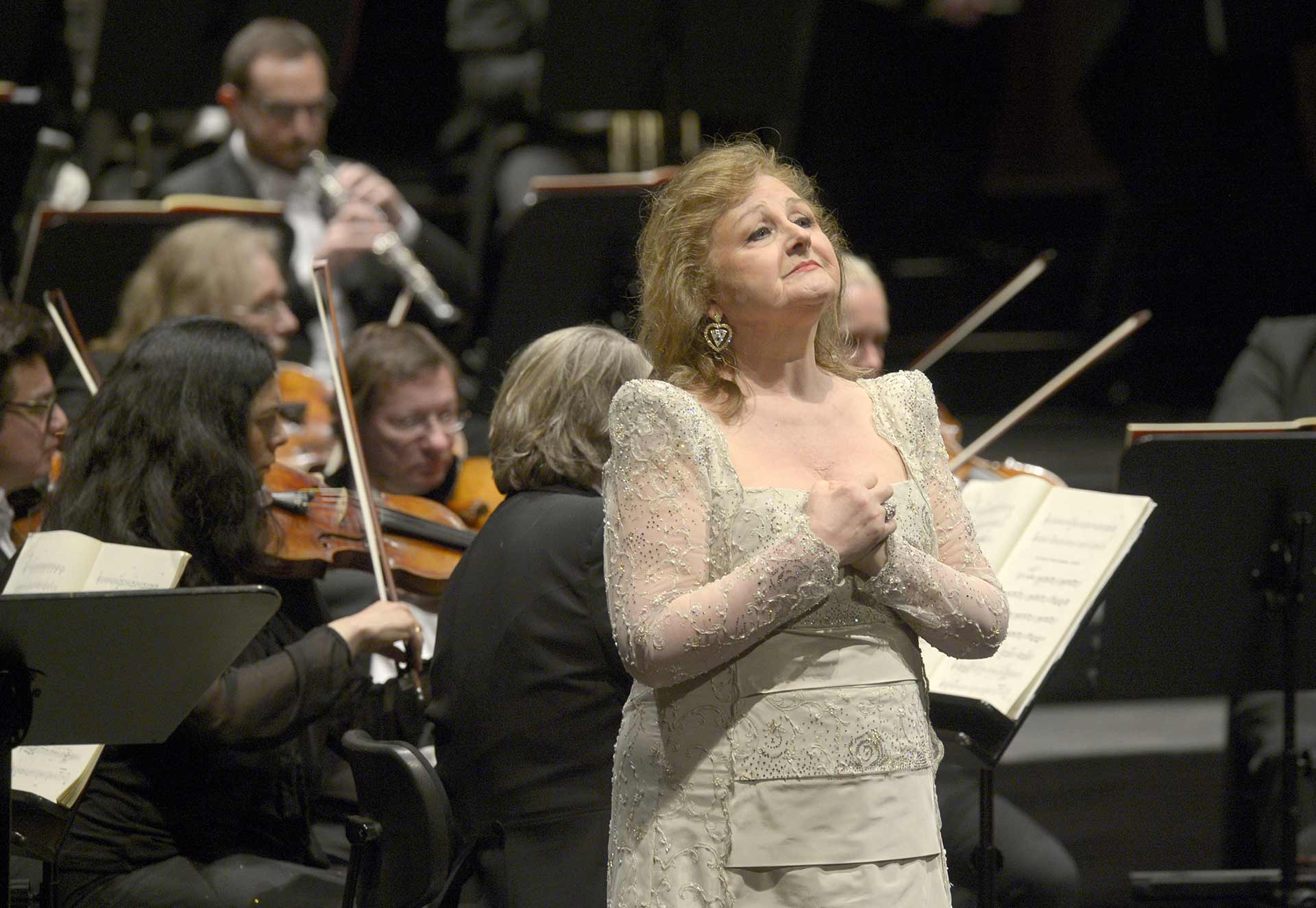 Edita Gruberova. (Foto © Bettina Stöß via Deutsche Oper Berlin)
